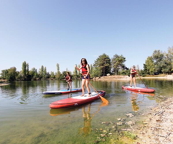 activite-nautrique-La Lagune-Paddle-famille-jeu-deau-etangsdelabassee