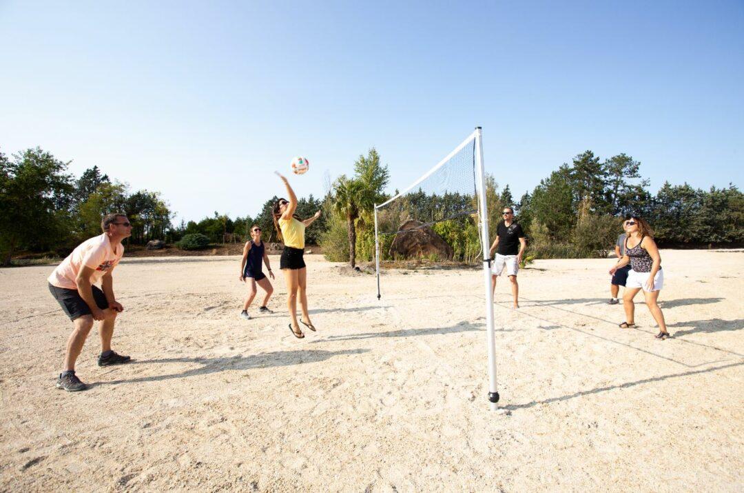 Activites-sports-exterieurs-beach-volley-plage-etangsdelabassee
