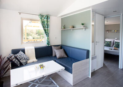 Lodge-chalet-interieur-salon-etangsdelabassee
