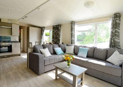 Lodge-interieur-salon-confort-etangsdelabassee