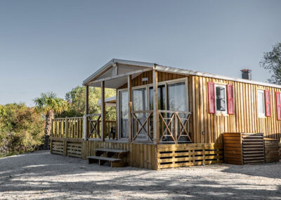 Lodge-chalet-exterieur-terrasse-etangsdelabassee