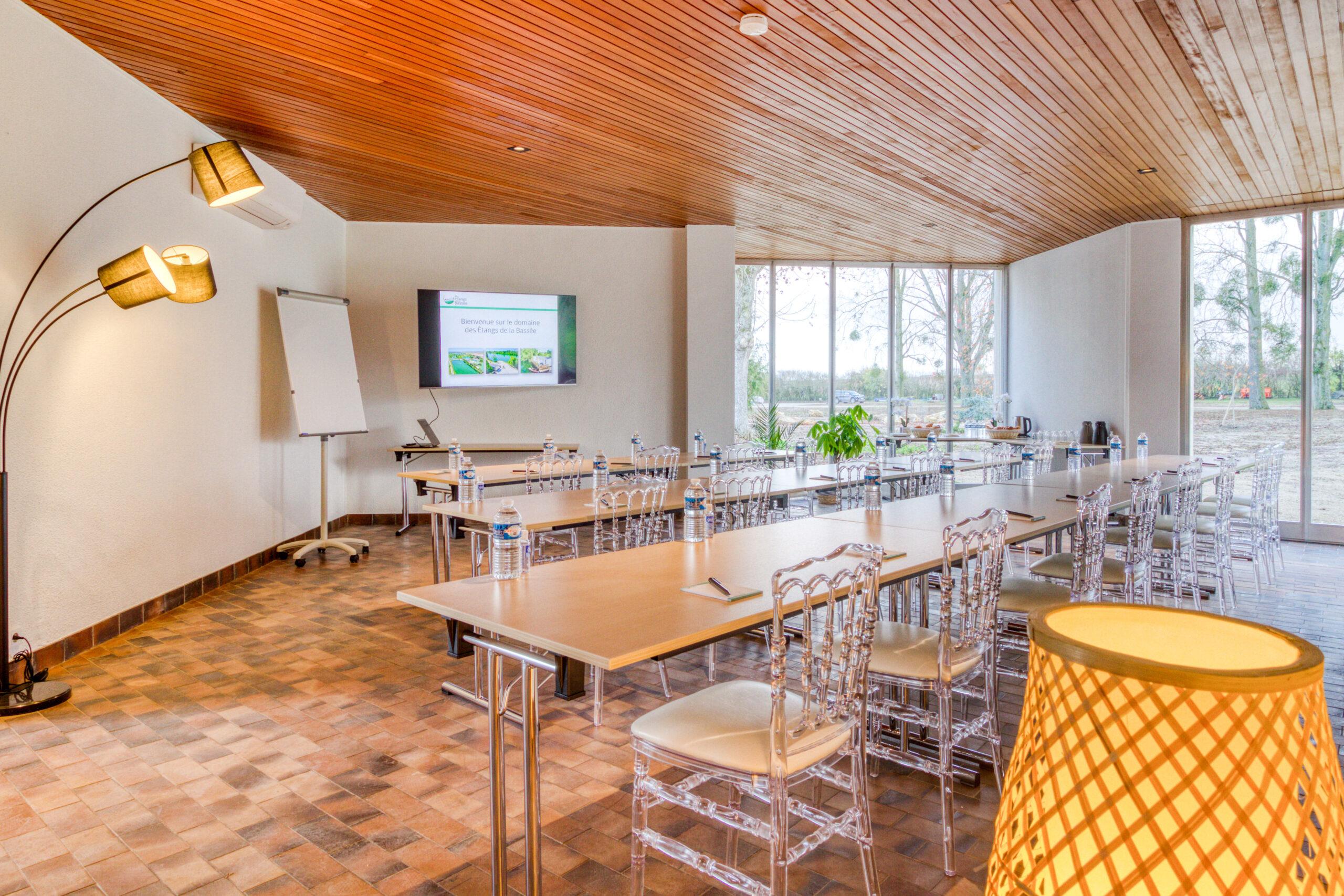 Seminaire villa etangsdelabassee ABC salles 1 modifie scaled