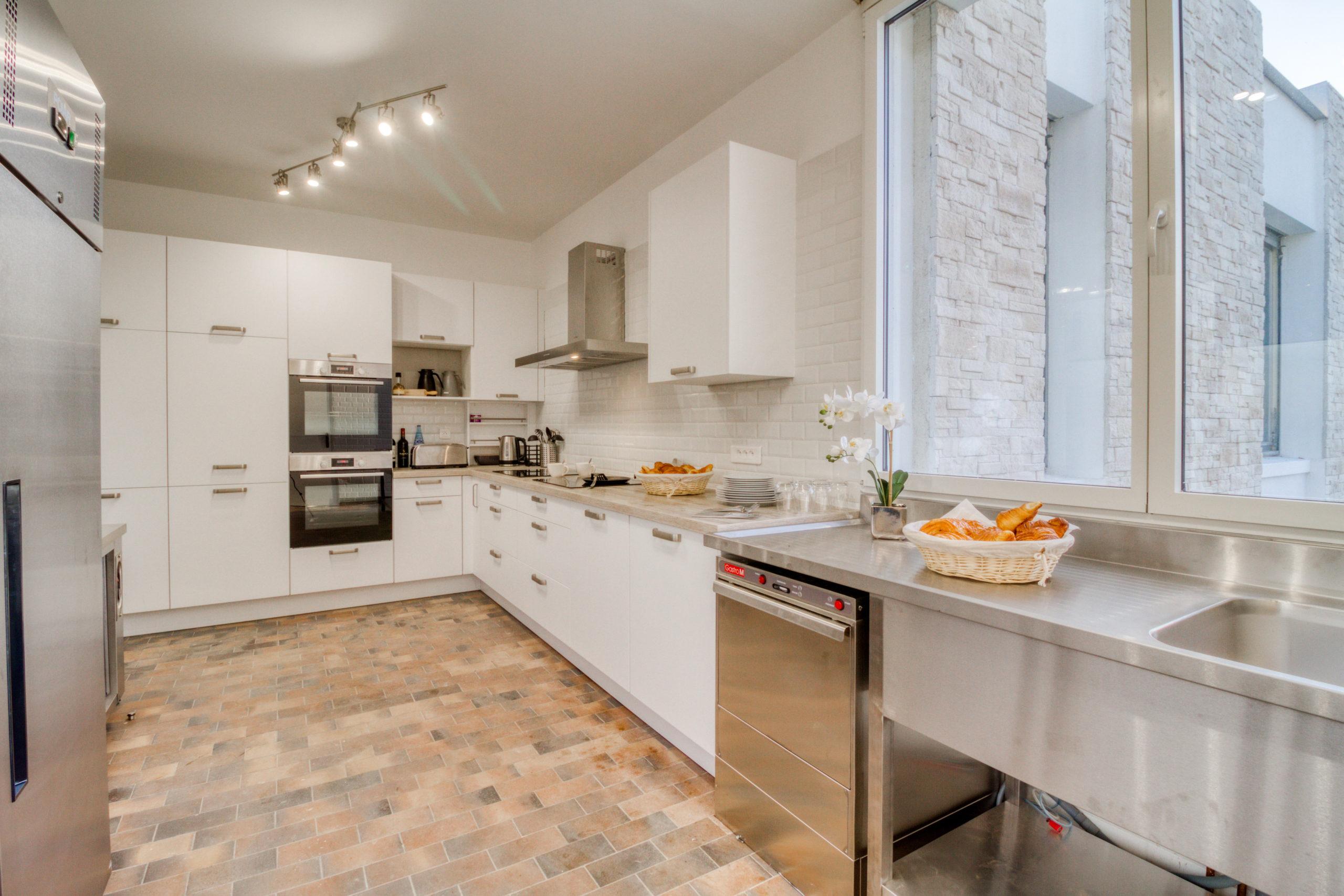 Cuisine villa etangsdelabassee ABC salles scaled